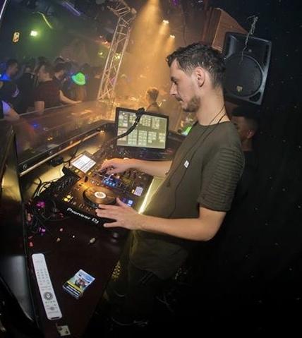 DJ Boeken Alex Vasi Entertainment Valentino Allround Bruiloft DJ
